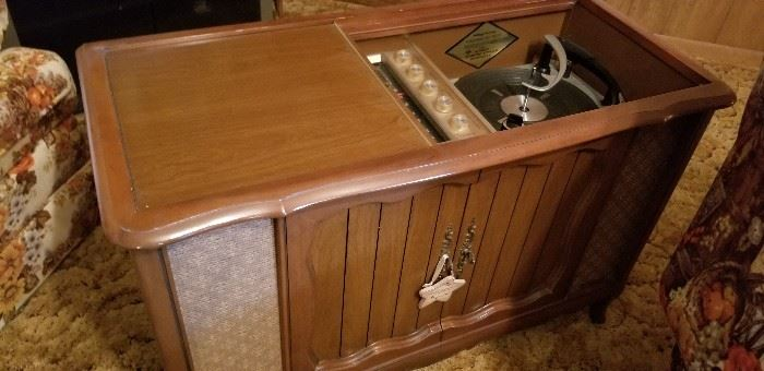 Oldie but goodie record cabinet