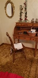 Slender Ladies roll top desk with chair