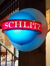 Vintage rotating globe Schlitz beer bar light. So cool...works great!