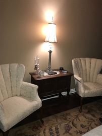 PAIR OF FLORAL CREAM WINGBACK CHAIRS AND ANTIQUE SIDE TABLE