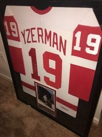 AUTHENTIC HOCKEYTOWN YZERMAN JERSEY SIGNED WITH COA
