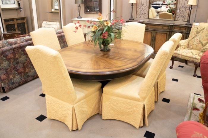 VERY NICE in excellent condition formal dining room set.