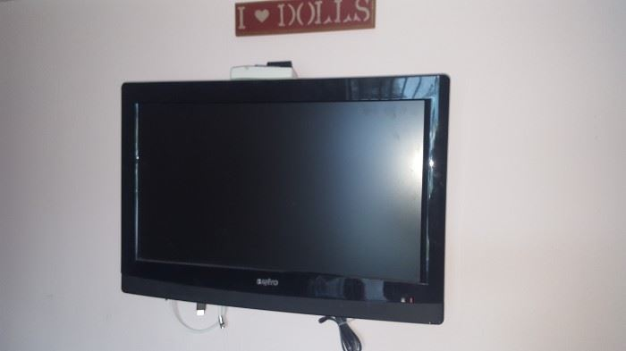 "Sanyo Flat Screen TV 28"""