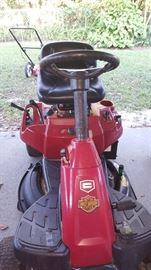 Craftsman R1000 Riding Mower