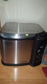 Indoor Turkey Cooker. Can be used to boil lots of shrimp, etc. too!  Free Turkey with this purchase!