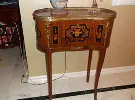 French side table w/margquerty