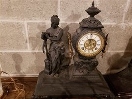 1800's anitson clock made in New York city has key and does chime.