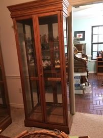 glass display cabinet with 4 glass shelves -- there are 2 (sold individually)