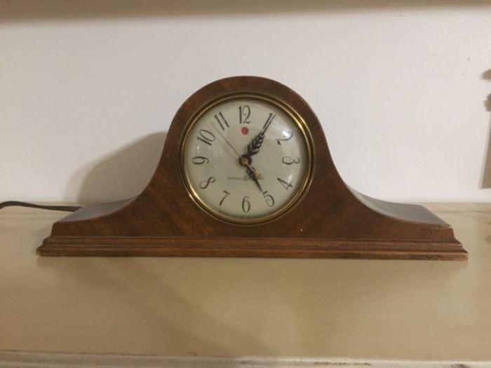 GE mantle clock