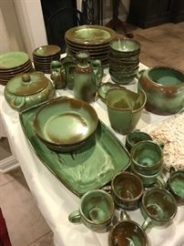 Service for 8 Prarie Green Wagon Wheel by Frankoma Pottery