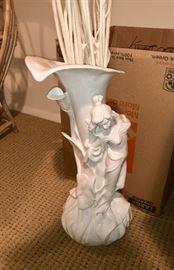 Vases & vintage collectibles