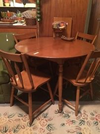 Dining table, leaf and 4 chairs
