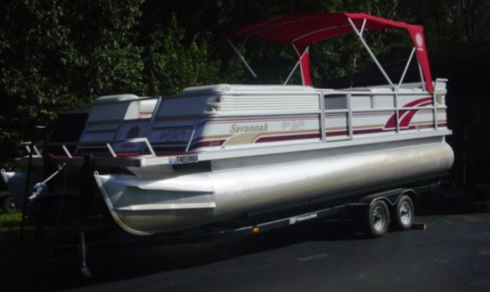 Very Nice 1996 Savannah Crest 25' Gold Edition Pontoon Boat w/Trailer - 4.3 Liter Volvo Penta Drive Inboard Motor