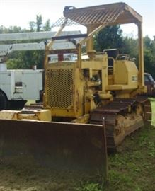 Caterpillar D3 Dozer - 6 Way Blade - 80% Undercarriage