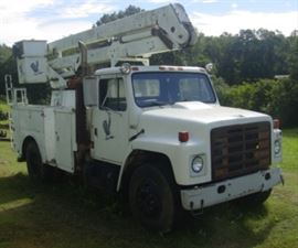 1988 International S1700 Bucket Truck