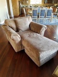 Microfiber/Suede Neutral Lounger