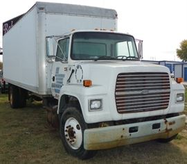 95/Ford LN7000 deisel box truck with updated box & fuel tank.