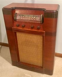 TrueTone Vintage Radio