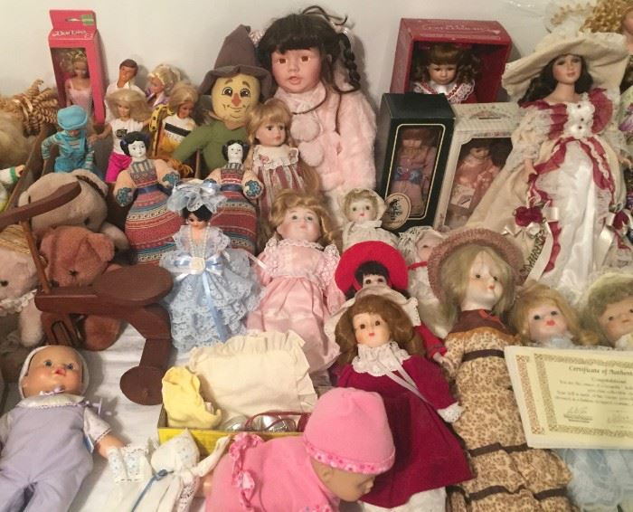 Lots and Lots of Dolls!