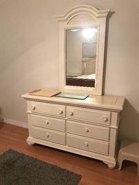 Broyhill dresser