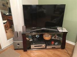 """Samsung UN50MU6300F 4K 6 Series  50""""  LED TV"""