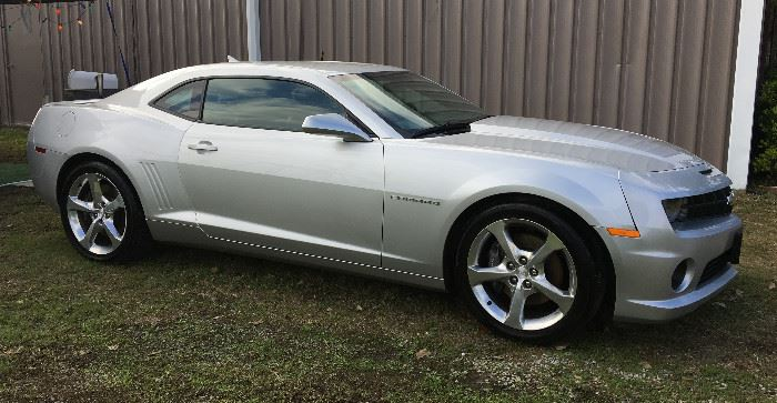 2013 CHEVY CAMARO SS V-8 LOADED! VERY LOW 33k MILES.