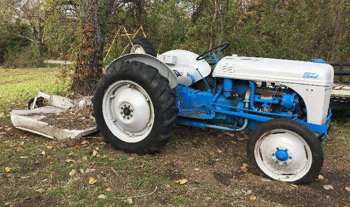 FORD 8N TRACTOR NEEDS WORK A FANTASTIC CANDIDATE