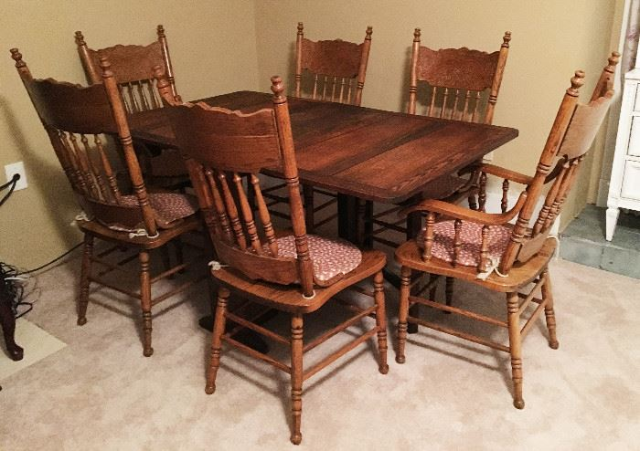 ANTIQUE DROP LEAF TABLE AND SIX CHAIRS.  GREAT FOR THE HOLIDAY FAMILY DINNERS