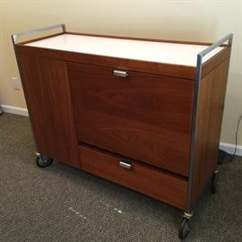 Rare George Nelson bar buffet cart from 1963. Pristine condition. It can be seen at the building next door to Lincoln Town Center by appointment. The cart can be seen any day, beginning Saturday, October 27.