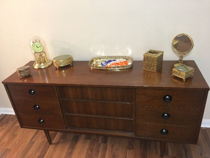 Exceptional Stanley Sideboard