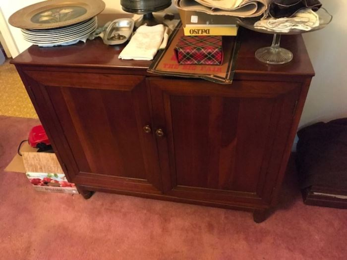 Willet small sideboard