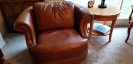 Bernhardt Leather Swivel/Rocker