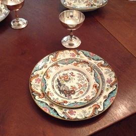 Ridgway England iron stone imari style. Eight dinner plates and saucers and several more with a chip or two