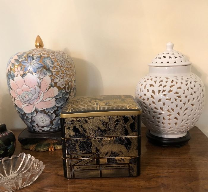 Oriental Lamp and vase