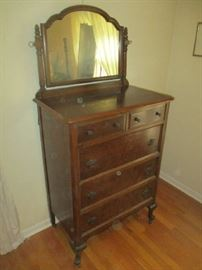 1930'S GRAND RAPIDS MADE DRESSER WITH MIRROR