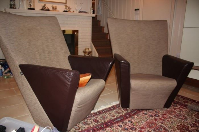 Pair of Arflex Contemporary Chairs