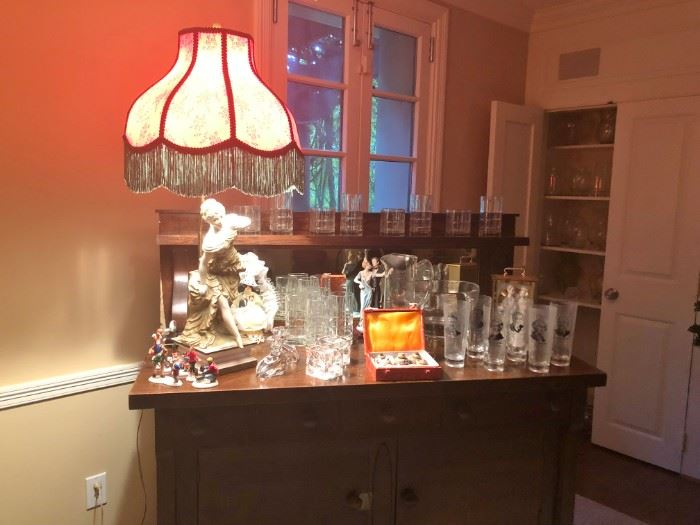 ANTIQUE DRESSER WITH MIRROR, BARWARE, ANTIQUE LAMP