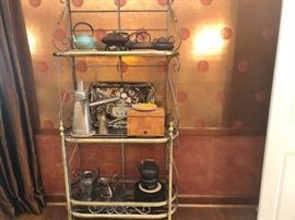 BRASS BAKERS RACK AND DECORATIVE ITEMS