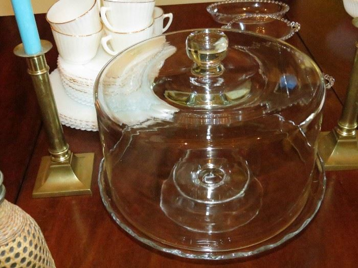 ELEGANT CAKE STAND WITH GLASS COVWER.