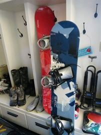 2 SNOW BOARDS WITH BOOTS.