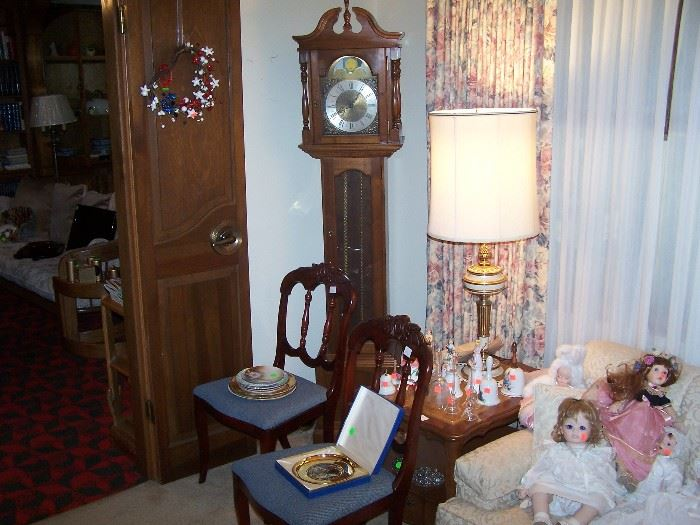 PAIR OF SIDE CHAIRS, TALL CASE CLOCK, ONE OF A PAIR OF LAMPS & LAMP TALE