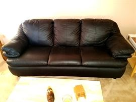 Gorgeous leather couch - almost brand new!!