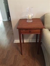 Shaker accent table