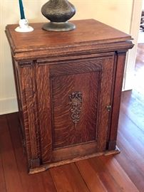 Antique Sewing Machine Cabinet With Franklin Sewing Machine