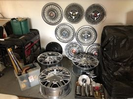 Assorted Thunderbird rims and hubcaps