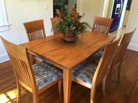 Canadian Hardwood Table with Leaf and 8 Chairs