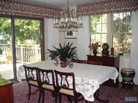 Drexel Heritage mahogany dining room = 8 Duncan Phyfe style chairs, double pedestal table, buffet, crystal chandelier