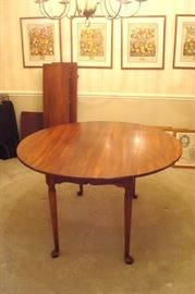 Cherry Queen Anne drop leaf table with two leaves