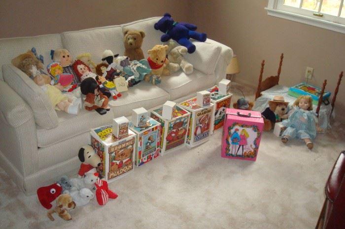 Great selection dolls, bears & etc.