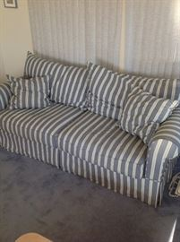 second cottage sofa